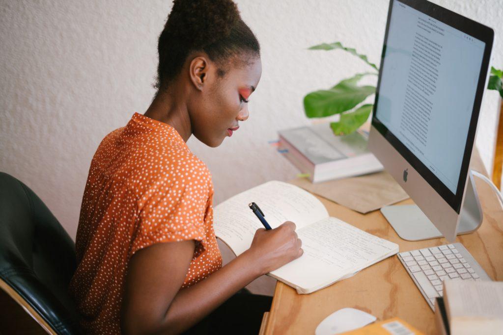 e professioni legate alla scrittura creativa